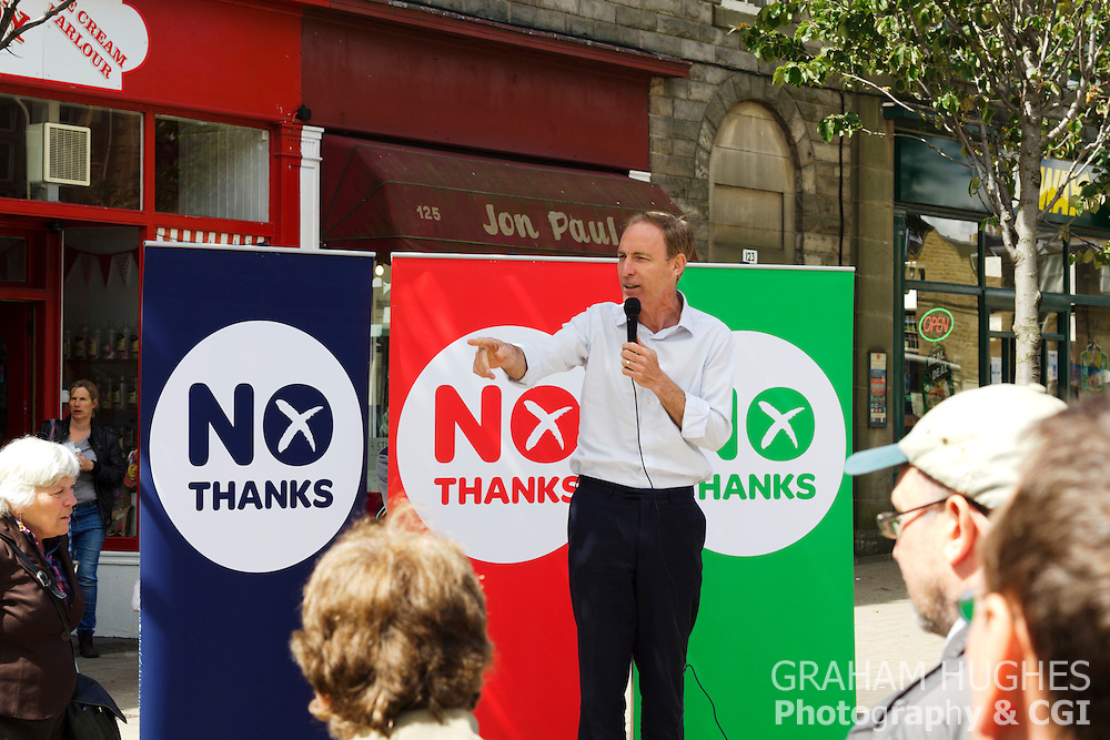 "MP Jim Murphy Talks To The Crowd At ""No Thanks"" 100 Streets Tour Of Scotland in Portobello High Street, Edinburgh"