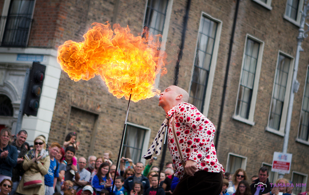 The Laya Healthcare City Spectacular in Merrion Square attracts hundreds of visitor. A weekend full of  street performers, from abroad the world.