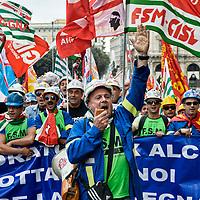Alcoa, operai protestano per il lavoro