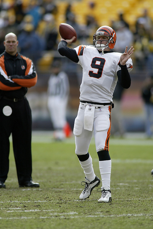 Quarterback Carson Palmer of the Cincinnati Bengals warms up before their 24-20 victory over the Pittsburgh Steelers on 11/30/2003. ©JC Ridley/NFL Photos.