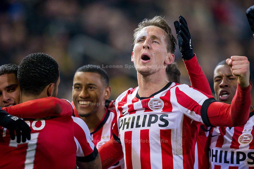 BREDA, NAC Breda - PSV, voetbal Eredivisie seizoen 2014-2015, 03-02-2015, Rat Verlegh Stadion, spelers van PSV vieren de 0-1 van PSV speler Memphis Depay (2L), PSV speler Luuk de Jong (2R), PSV speler Georginio Wijnaldum (R), PSV speler Luciano Narsingh (M), PSV speler Adam Maher (L).