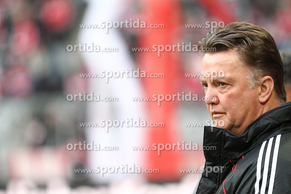 27.11.2010, Allianz Arena, Muenchen, GER, 1.FBL, FC Bayern Muenchen vs Eintracht Frankfurt, im Bild  Louis van Gaal (Trainer Bayern) , EXPA Pictures © 2010, PhotoCredit: EXPA/ nph/  Straubmeier       ****** out ouf GER ******