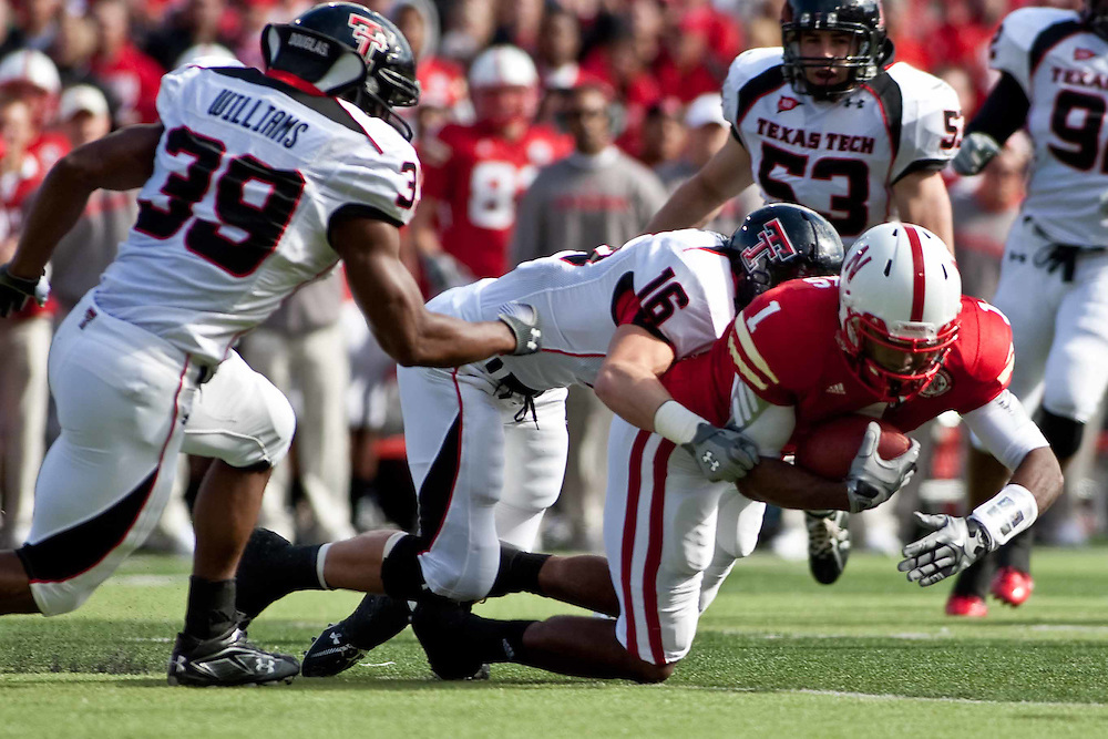 17 October 2009: Nebraska wide receiver Chris Brooks get the first down in a 10 pass play against Texas Tech at Memorial Stadium, Lincoln, Nebraska. Texas Tech defeats Nebraska 31 to 10.