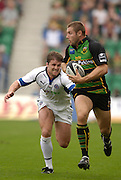 Northampton, GREAT BRITAIN, Saints Ben COHEN, looks for support as he attacks down the wing, Bath's Andy WILLIAMS challenging, as Northampton Saints play Bath Rugby, in the Guinness Premiership Rugby match, at  Franklin's Gardens, Northampton, ENGLAND on 16/09/2006 [Photo, Peter Spurrier/Intersport-images].