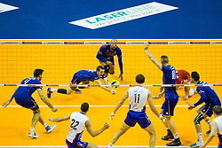 10.01.2016, Max Schmeling Halle, Berlin, GER, CEV Olympia Qualifikation, Frankreich vs Russland, Finale, im Bild Diving BenjaminToniutti (#6, FRA) // during 2016 CEV Volleyball European Olympic Qualification Final Match between France and Russia at the Max Schmeling Halle in Berlin, Germany on 2016/01/10. EXPA Pictures © 2016, PhotoCredit: EXPA/ Eibner-Pressefoto/ Wuechner<br /> <br /> *****ATTENTION - OUT of GER*****