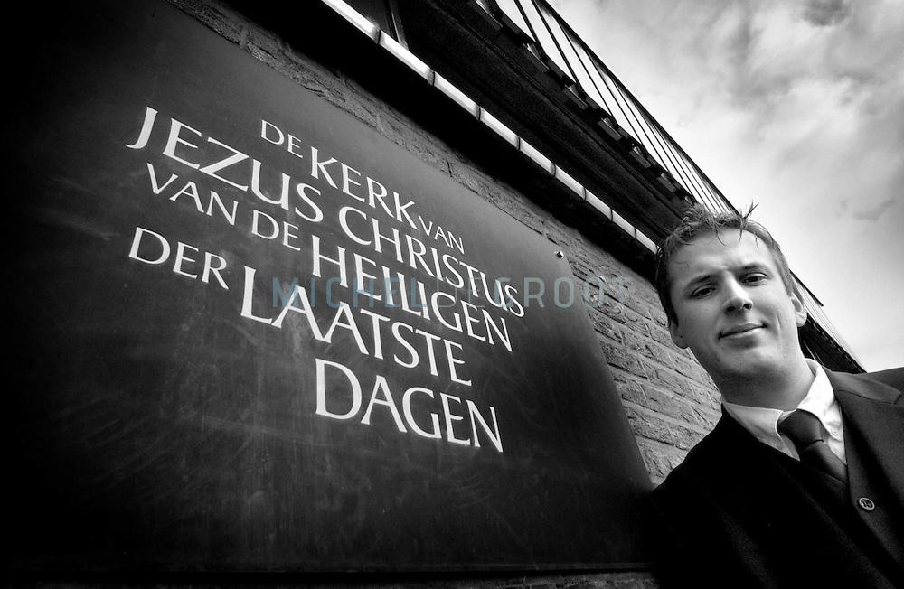Groningen, 25-01-2004: Harm-Jan de Jonge, lid van de Mormoonse kerk. (Foto: Michel de Groot)