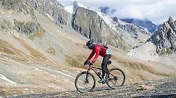 16-09-2017 FRA: BvdGF Tour du Mont Blanc day 7, Beaufort<br /> De laatste etappe waar we starten eindigen we ook weer na een prachtige route langs de Mt. Blanc / Javier