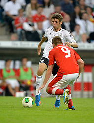 06.09.2013, Allianz Arena, Muenchen, GER, FIFA WM Qualifikation, Deutschland vs Oesterreich, Rueckspiel, im Bild Thomas Mueller (GER) am Ball Zweikampf Aktion gegen Andreas Weidmann (AUT) vorne,, , Qualifikation Weltmeisterschaft Brasilien 2014 Rueckspiel , Saison 2013 2014 Muenchen Allianz-Arena, 06.09.2013 // during the FIFA World Cup Qualifier second leg Match between Germany and Austria at the Allianz Arena, Munich, Germany on 2013/09/06. EXPA Pictures © 2013, PhotoCredit: EXPA/ Eibner/ Michael Weber<br /> <br /> ***** ATTENTION - OUT OF GER *****