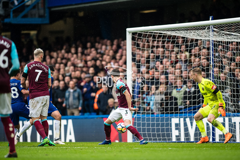 Chelsea (28) César Azpilicueta, scoring goal during the Premier League match between Chelsea and West Ham United at Stamford Bridge, London, England on 8 April 2018. Picture by Sebastian Frej.