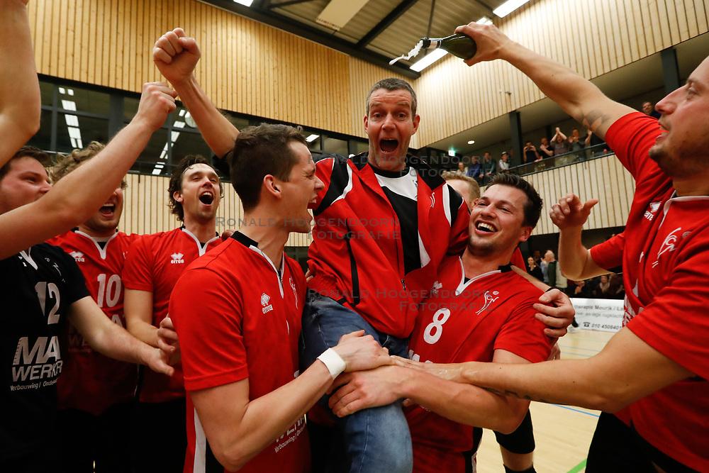 20180324 NED: Topdivisie Maatwerkers VCN - Next Volley Dordrecht, Capelle aan den IJssel <br />Maatwerkers VCN Kampioen Topdivisie 2017 - 2018 - Ferry van Hal, headcoach of Maatwerkers VCN <br />©2018-FotoHoogendoorn.nl / Pim Waslander