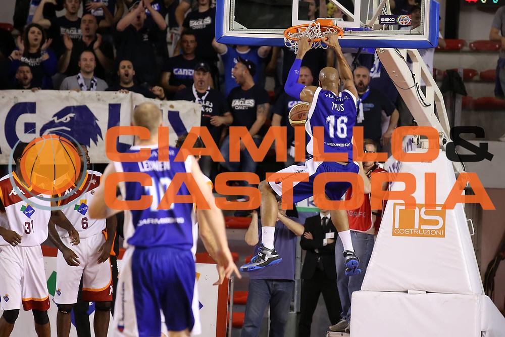 DESCRIZIONE : Roma Lega A 2012-2013 Acea Roma Lenovo Cant&ugrave; playoff semifinale gara 1<br /> GIOCATORE : Alex Tyus<br /> CATEGORIA : schiacciata sequenza<br /> SQUADRA : Lenovo Cant&ugrave; <br /> EVENTO : Campionato Lega A 2012-2013 playoff semifinale gara 1<br /> GARA : Acea Roma Lenovo Cant&ugrave;<br /> DATA : 24/05/2013<br /> SPORT : Pallacanestro <br /> AUTORE : Agenzia Ciamillo-Castoria/ElioCastoria<br /> Galleria : Lega Basket A 2012-2013  <br /> Fotonotizia : Roma Lega A 2012-2013 Acea Roma Lenovo Cant&ugrave; playoff semifinale gara 1<br /> Predefinita :