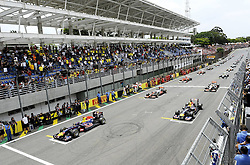 27.11.2011, Autodromo Jose Carlos Pace, Sao Paulo, BRA, F1, Grosser Preis von Brasilien, im Bild F1 Race Start - Sebastian Vettel (GER), Red Bull Racing - Mark Webber (AUS), Red Bull Racing - Jenson Button (GBR), McLaren F1 Team - Lewis Hamilton (GBR), McLaren F1 Team // during the Formula One Championships 2011 Grand Prix of Brazil held at the Autodromo Jose Carlos Pace, Sao Paulo, Brazil on 2011/11/26. EXPA Pictures © 2011, PhotoCredit: EXPA/ nph/ Dieter Mathis..***** ATTENTION - OUT OF GER, CRO *****