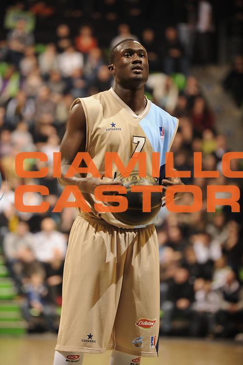 DESCRIZIONE : Ligue France Pro A Semaine des As Roanne Villeurbanne Demi Finale<br /> GIOCATORE : Amagou Philippe<br /> SQUADRA : Roanne  <br /> EVENTO : France Ligue  Pro A 2009-2010<br /> GARA : Roanne Nancy<br /> DATA : 20/02/2010<br /> CATEGORIA : Basketball Pro A Action<br /> SPORT : Basketball<br /> AUTORE : JF Molliere par Agenzia Ciamillo-Castoria <br /> Galleria : France Ligue Pro A 2009-2010 <br /> Fotonotizia :  Ligue France Pro A 2009-10 Roanne Nancy Semaine des AS Villeurbanne 18/02/2010<br /> Predefinita :
