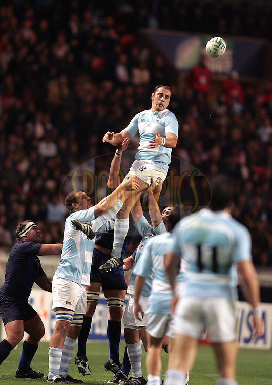 Rugby World Cup, France v Argentina, 19 October 2007. Gonzalo Longo Elia claims the line out ball at the Parc des Princes, Paris, France. Friday 19 October 2007. Photo: Ron Gaunt/Sportzpics.net