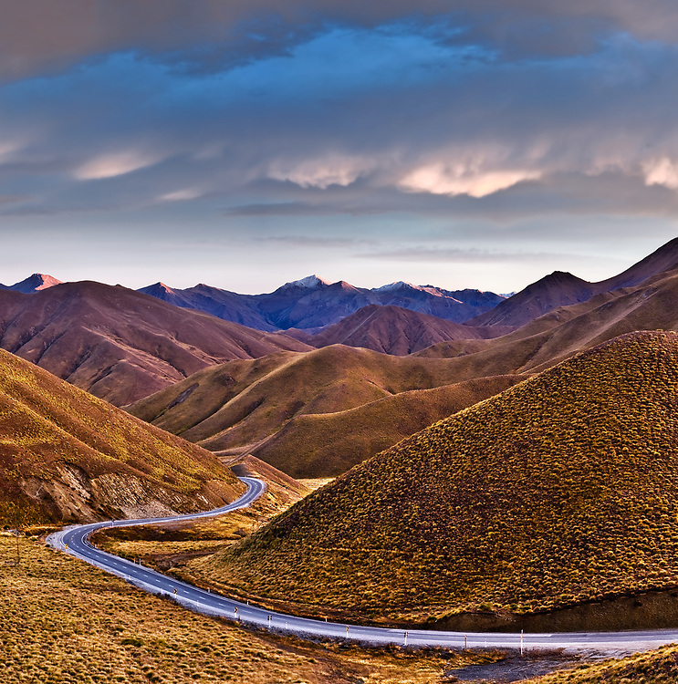 Main Highway through the Lindis Pass, Otago, New Zealand