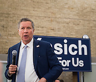 Hempstead, New York, USA. April 4, 2016. JOHN KASICH, Republican presidential candidate and governor of Ohio, speaks at the Town Hall he hosts at Hofstra University David Mack Student Center in Long Island. The New York primary is April 19, and Kasich is the first of the three GOP presidential candidates to campaign in Nassau and Suffolk Counties, and is in third place in number of delegates won.