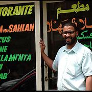 Stranieri in Piemonte a porta palazzo ristorante marocchino