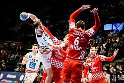 16.01.2020, Wiener Stadthalle, Wien, AUT, EHF Euro 2020, Kroatien vs Österreich, Hauptrunde, Gruppe I, im Bild v. l. Boris Zivkovic (AUT), Josip Sarac (CRO), Matej Hrstic (CRO) // f. l. Boris Zivkovic (AUT) Josip Sarac (CRO) Matej Hrstic (CRO) during the EHF 2020 European Handball Championship, main round group I match between Croatia and Austria at the Wiener Stadthalle in Wien, Austria on 2020/01/16. EXPA Pictures © 2020, PhotoCredit: EXPA/ Florian Schroetter