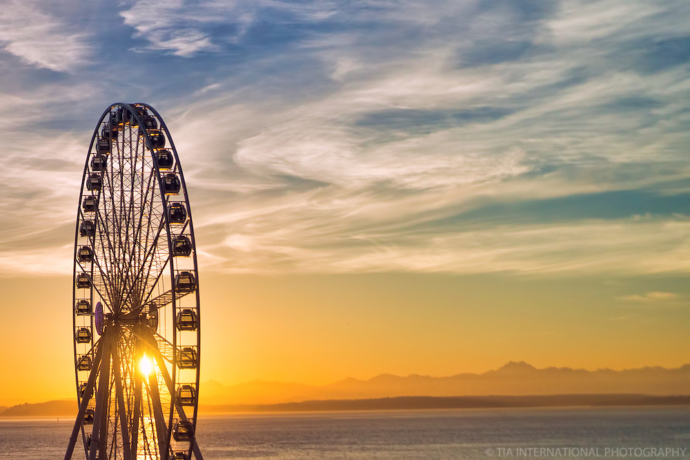 Great Wheel & Elliott Bay @ Sunset