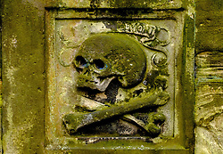 Skull and cross bones on a tomb in Grey Friars church yard in Edinburgh, Scotland<br /> <br /> (c) Andrew Wilson | Edinburgh Elite media