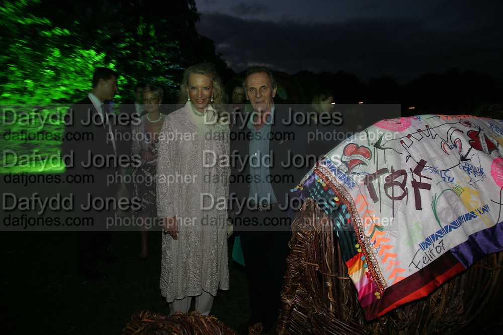 Mark Shand and Princess Michael of Kent, QUINTESSENTIALLY AND ELEPHANT FAMILY TRUNK SHOW PARTY. SERPENTINE PAVILION, HYDE PARK. 16 SEPTEMBER 2007. -DO NOT ARCHIVE-© Copyright Photograph by Dafydd Jones. 248 Clapham Rd. London SW9 0PZ. Tel 0207 820 0771. www.dafjones.com.