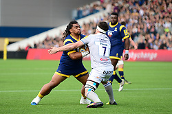 Joe Taufete'e of Worcester Warriors runs into Francois Louw of Bath Rugby - Mandatory by-line: Dougie Allward/JMP - 15/04/2017 - RUGBY - Sixways Stadium - Worcester, England - Worcester Warriors v Bath Rugby - Aviva Premiership
