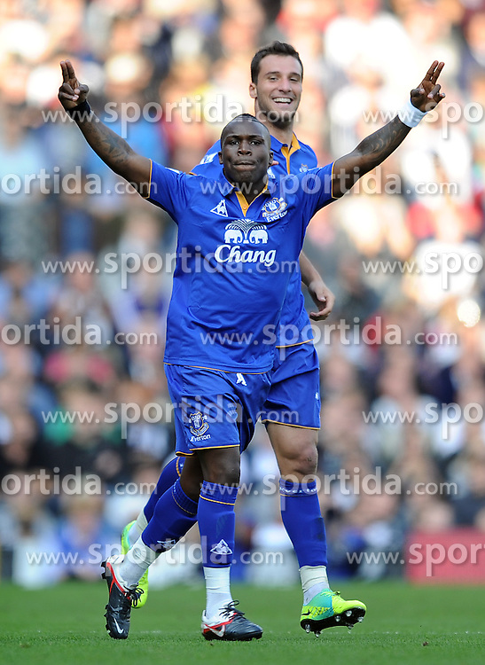 23.10.2011, Craven Cottage, London, ENG, PL, FC Fulham vs FC Everton, im Bild Everton's Royston Drenthe celebrates scoring the opening goal during the Premiership match at Craven Cottage // during the Premier League match between FC Fulham vs FC Everton, at Craven Cottage stadium, London, United Kingdom on 23/10/2011. EXPA Pictures © 2011, PhotoCredit: EXPA/ Propaganda Photo/ Chris Brunskill +++++ ATTENTION - OUT OF ENGLAND/GBR+++++