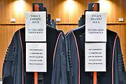 Nederland, Nijmegen, 15-6-2017 Togas voor hoogleraren en professoren hangen in een kast in de togakamer in de aula van de Radboud universiteit.  Foto: Flip Franssen