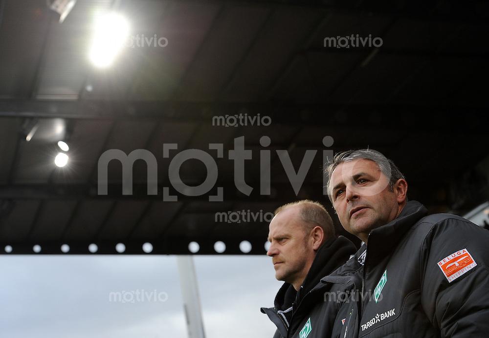 1. Fussball Bundesliga  Saison  2010/2011   21. Spieltag  05.02.2011 1 FSV Mainz 05 - SV Werder Bremen (v. li.) Trainer Thomas Schaaf mit Manager Klaus Allofs (SV Werder Bremen)