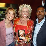 """NLD/Amsterdam/20060427 - Boekpresentatie Karin Bloemen """"Nooit meer buitenspel"""", Vera Paul, Karin Bloemen en Aaron Winter"""