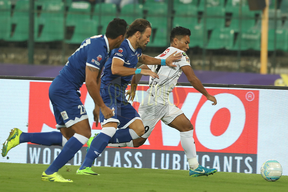Inigo Calderon  of Chennaiyin FC and Seiminlen Doungel of Northeast United FC during match 6 of the Hero Indian Super League between Chennaiyin FC and NorthEast United FC held at the Jawaharlal Nehru Stadium, Chennai, India on the 23rd November 2017<br /> <br /> Photo by: Ron Gaunt / ISL / SPORTZPICS