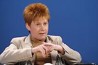 07 JAN 2008, KOELN/GERMANY:<br /> Petra Pau, PDS, Vizepraesidentin des Deutschen Bundestages, Gewerkschaftspolitische Arbeitstagung des Deutschen Beamtenbundes, dbb, Messe Koeln<br /> IMAGE: 20080107-01-172<br /> KEYWORDS: Köln