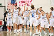 DESCRIZIONE : Chieti Qualificazione Eurobasket Women 2009 Italia Turchia <br /> GIOCATORE : team<br /> SQUADRA : Nazionale Italia Donne <br /> EVENTO : Raduno Collegiale Nazionale Femminile<br /> GARA : Italia Turchia Italy Turkey <br /> DATA : 27/08/2008 <br /> CATEGORIA : esultanza<br /> SPORT : Pallacanestro <br /> AUTORE : Agenzia Ciamillo-Castoria/M.Marchi <br /> Galleria : Fip Nazionali 2008 <br /> Fotonotizia : Chieti Qualificazione Eurobasket Women 2009 Italia Turchia <br /> Predefinita : si