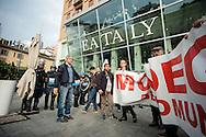 Corteo NoExpo2015. Contestazioni a Eataly. Milano, 11 ottobre 2014.