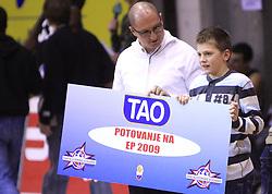 Zoran Markov, agencija TAO podeljuje nagrade na Dnevu slovenske moske kosarke, 26. decembra 2008, na Planini, Kranj, Slovenija. (Photo by Vid Ponikvar / Sportida)