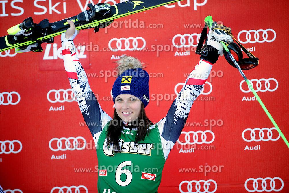 28.12.2013, Hochstein, Lienz, AUT, FIS Weltcup Ski Alpin, Lienz, Riesentorlauf, Damen, 2. Durchgang, im Bild Siegerin Anna Fenninger (AUT) // Siegerin Anna Fenninger (AUT) during the 2nd run of ladies giant slalom Lienz FIS Ski Alpine World Cup at Hochstein in Lienz, Austria on 2013/12/28. EXPA Pictures © 2013, PhotoCredit: EXPA/ Erich Spiess
