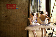 backstage, Ballerina, Ballet, behind the scenes, Bolshoi, bolshoi ballet, Color, dance, japan, Japanese, onstage, reportage, russian, Russian Ballet, woman