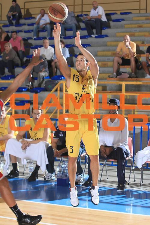 DESCRIZIONE : Cervia Torneo di Cervia Lega A 2010-11 Fabi Montegranaro Immobiliare Spiga Rimini<br /> GIOCATORE : Antonio Maestranzi<br /> SQUADRA : Fabi Montegranaro<br /> EVENTO : Campionato Lega A 2010-2011 <br /> GARA : Benetton Treviso Bennet Cantu<br /> DATA : 18/09/2010<br /> CATEGORIA :  tiro<br /> SPORT : Pallacanestro <br /> AUTORE : Agenzia Ciamillo-Castoria/C.De Massis<br /> Galleria : Lega Basket A 2010-2011 <br /> Fotonotizia : Cervia Torneo di Cervia Lega A 2010-11 Fabi Montegranaro Immobiliare Spiga Rimini<br /> Predefinita :