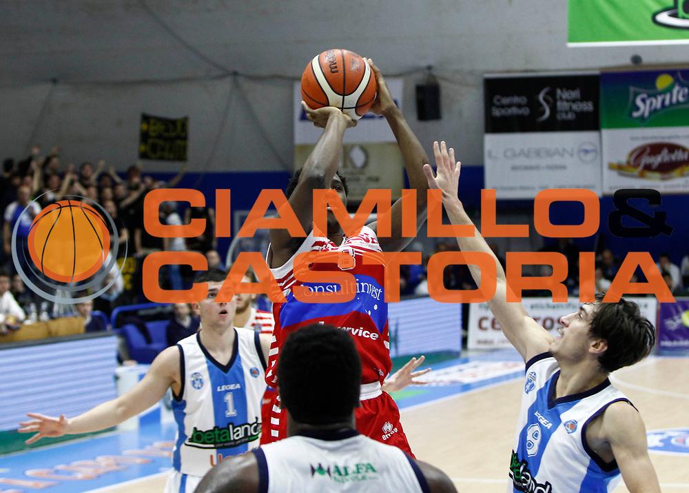 Capo d'Orlando 20/12/2015 - Basket Campionato Lega A 2015/16<br /> Betaland Capo d'Orlando-Consultinvest Pesaro<br /> nella foto: Semaj Christon<br /> Foto Ciamillo
