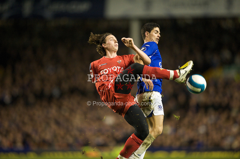 LIVERPOOL, ENGLAND - Wednesday, March 12, 2008: Everton's Mikel Arteta and ACF Fiorentina's Riccardo Montolivo during the UEFA Cup Round of 16 match at Goodison Park. (Photo by David Rawcliffe/Propaganda)