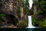 Toketee Falls and the amazing Basalt Rock columns along the Umpqua River in Southern Oregon