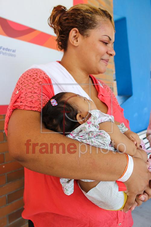 Nesta sexta-feira (01), a Associação de Assistência à Criança Deficiente (AACD - Recife) realizou mutirão de exames, para diagnosticar bebês com suspeita de microcefalia. Foto: Anderson Nascimento/FramePhoto.