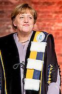 toekenning eredoctoraat aan de Duitse bondskanselier Angela Merkel in brussel