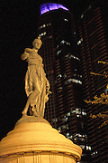 A statue in downtown Chicago