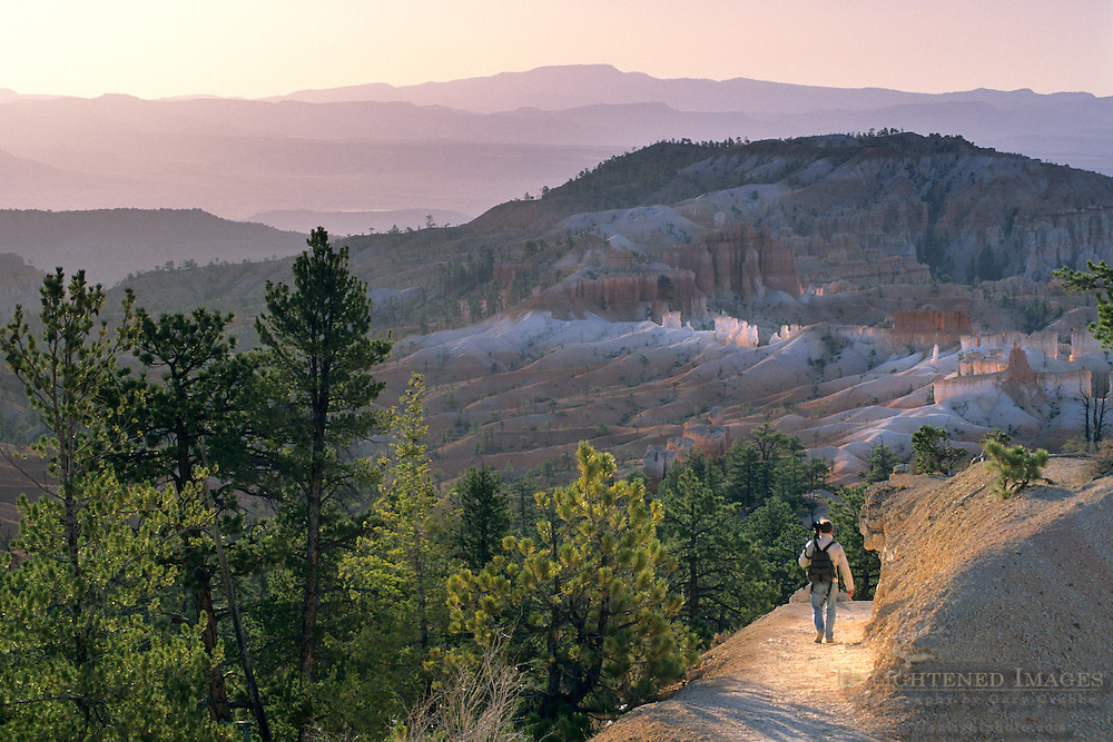 Morning light and hikers on the Queens Garden Trail, Bryce Canyon National Park, UTAH