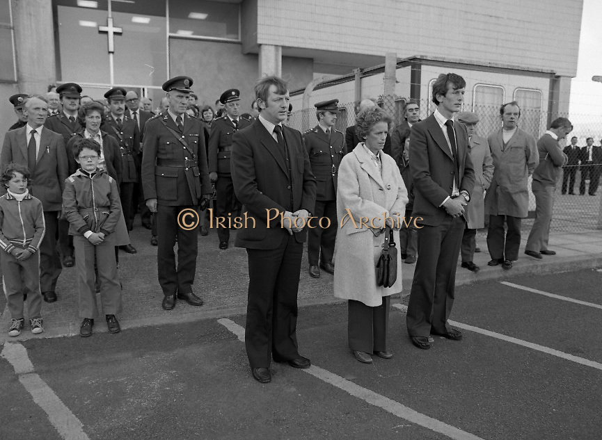 Body of Private Stephen Griffin killed in Lebanon is returned to his home soil..1980-04-19.19th April 1980.19-04-1980.04-19-80..Photographed at Dublin Airport Mortuary..From left: ..Private Stephen Griffin's brother Michael, his aunt Kathleen and his brother  Thomas lead mourners.