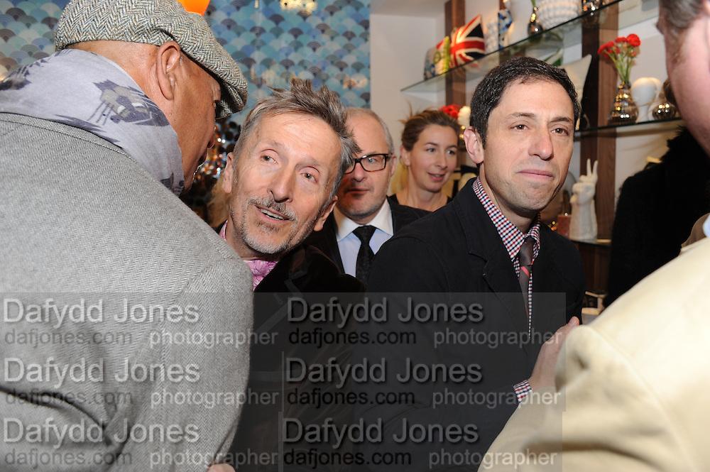 MICHAEL ROBERTS; SIMON DOONAN; JONATHAN ADLER, Jonathan Adler Store opening. Sloane St. London. 16 November 2011. <br /> <br />  , -DO NOT ARCHIVE-© Copyright Photograph by Dafydd Jones. 248 Clapham Rd. London SW9 0PZ. Tel 0207 820 0771. www.dafjones.com.