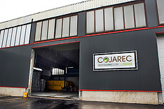 Cojarec synthetic fibers for equine surfaces