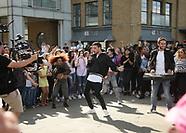 London: Liam Payne Busking - 14 Aug 2017