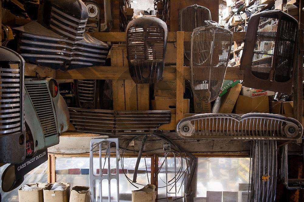 21/10/16 - CHATEAUGAY - PUY DE DOME - FRANCE - CASS'TACOT DUCLOS magasin specialise en pieces de voitures Francaises de toutes epoques - Photo Jerome CHABANNE
